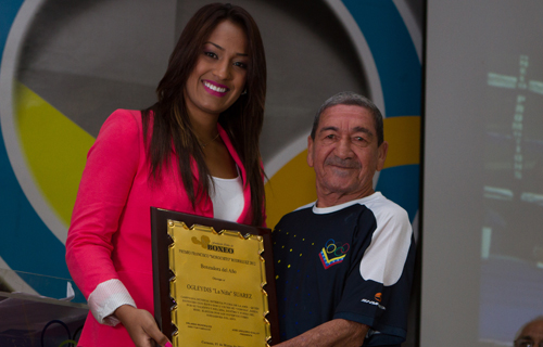 Gilberto Mendoza and Ogleidis Suarez received awards in Venezuela