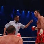Klitschko dominates, then stops Pianeta
