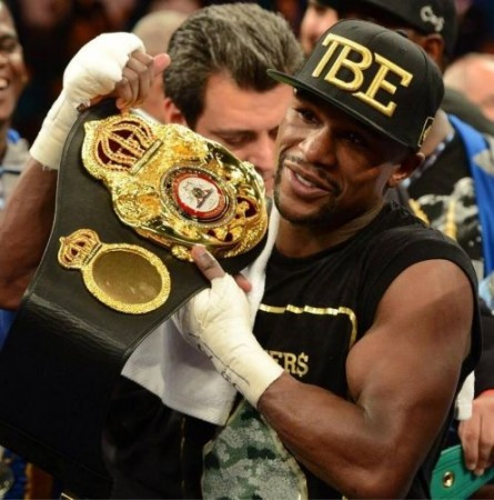 Picture of the day: Floyd Mayweather shows off his new WBA belt