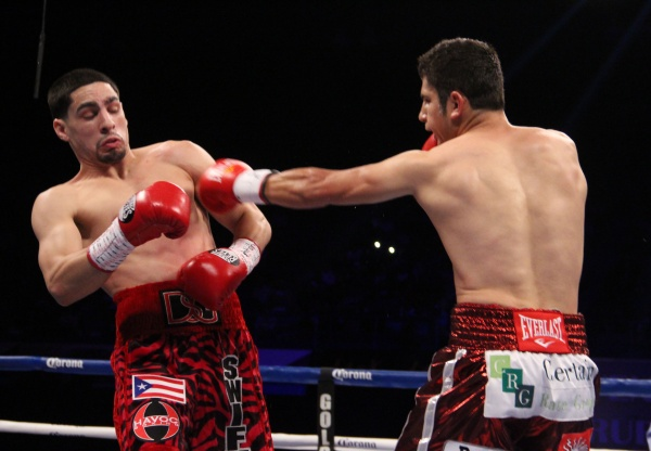 WBA Super Lightweight Champion Danny Garcia vs Mauricio ...
