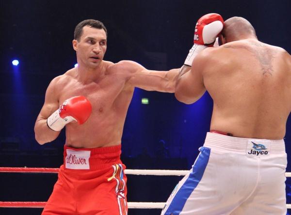 Photos: Wladimir Klitschko vs. Alex Leapai
