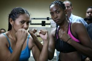 Dahiana Santana - Francia Bravo weigh-in
