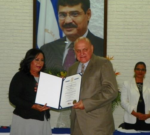 Renzo Bagnariol was given the Alexis Argüellos Award