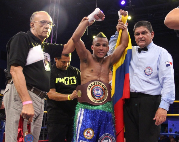 Díaz and Sanmartin defended their regional titles in the KO Drugs