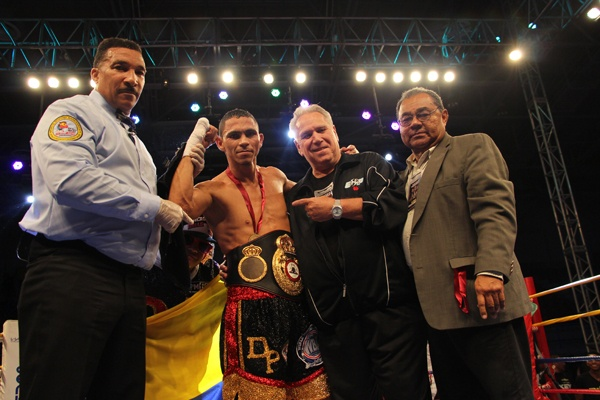 Perez retains WBA interim lightweight belt