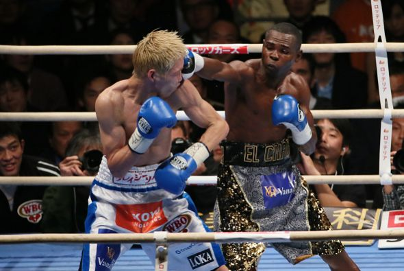 Rigondeaux survives two knockdowns and keeps WBA/WBO 122lb belts