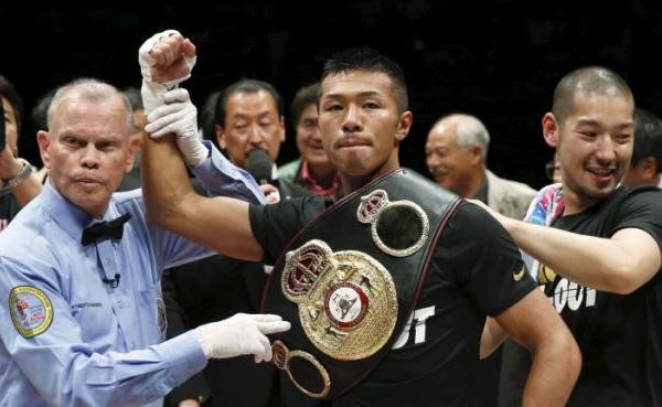 Uchiyama keeps WBA 130lb belt ten times by quick demolition of Jomthong in two