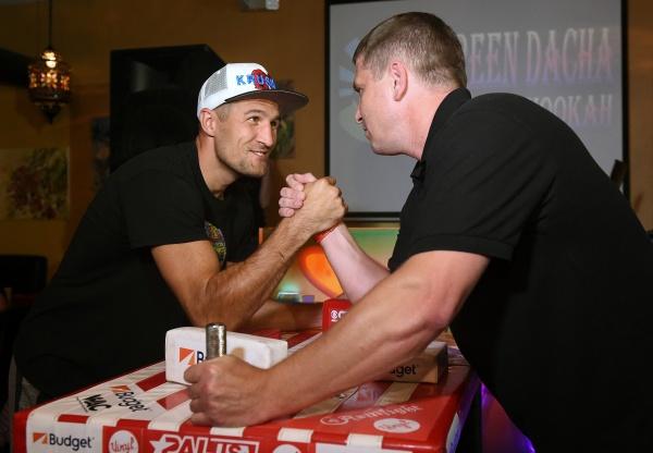 Sergey Kovalev meets Las Vegas Russian community