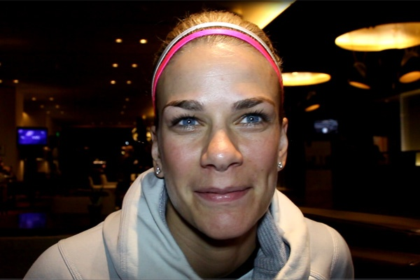 Mrdjenovich draws and retains her WBA title