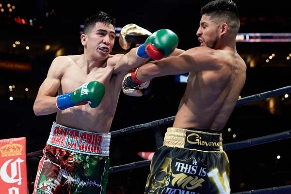 "Santa Cruz defeats Mares in ""Battle of LA"""