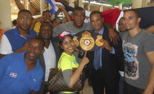 Campeón Mundial Félix –Mangú- Valera llega a RD y es recibido como un héroe. Fotos Franklin Nuñez