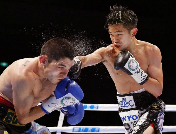 The defending champion, uncut and unbruised as usual, didn't absorb any apparent punishment. (Photo: Kyodo)
