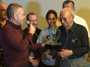 Sentido homenaje rindió Familia AMB a Manuel Landero