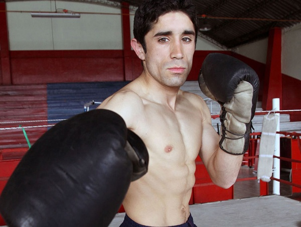 Laviñanza vs. Soloppi for WBA Fedebol Title