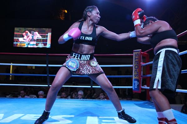 La Felina Borbua vencio a Barquero en primera pelea internacional