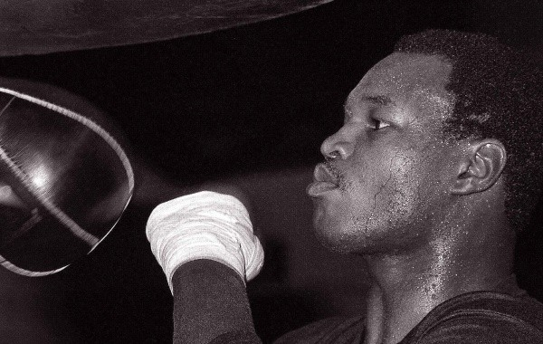 Larry Holmes Supports Lucas Browne