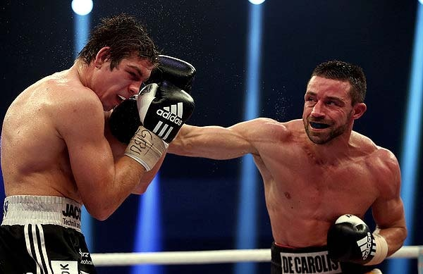 De Carolis Defends WBA World Super Middleweight Title