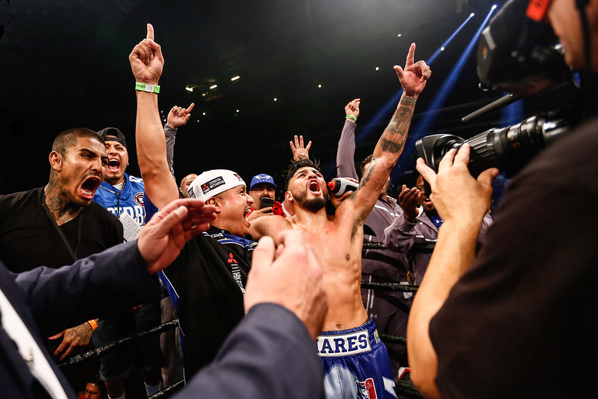 Mares Decisions Cuellar to Win Featherweight Crown