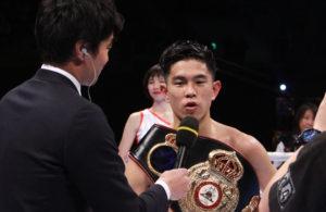 Kazuto Ioka vs Yutthana Kaensa. Photos Sumio Yamada
