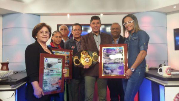 """Rinden homenaje a Gilberto Mendoza en la entrega de los premios """"Morochito"""" Rodríguez"""