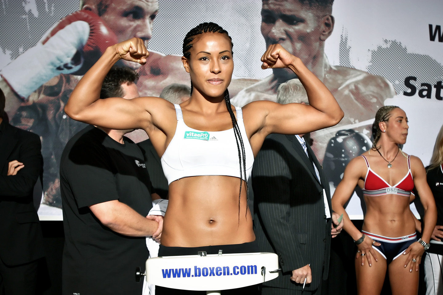 Braekhus and McCaskill will take the streets to fight for the WBA belt