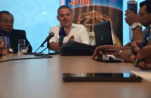 Gilberto Jesús Mendoza en rueda de prensa