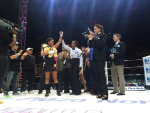 Gabriels defiende contra Dwyer en Managua