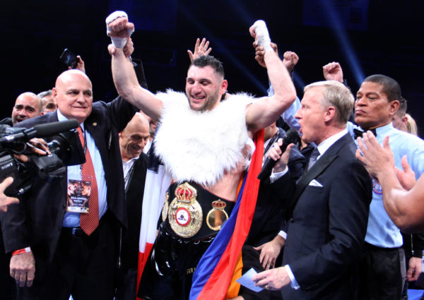 Goulamirian knocked out Merhy and is the new WBA Cruiserweight champion.