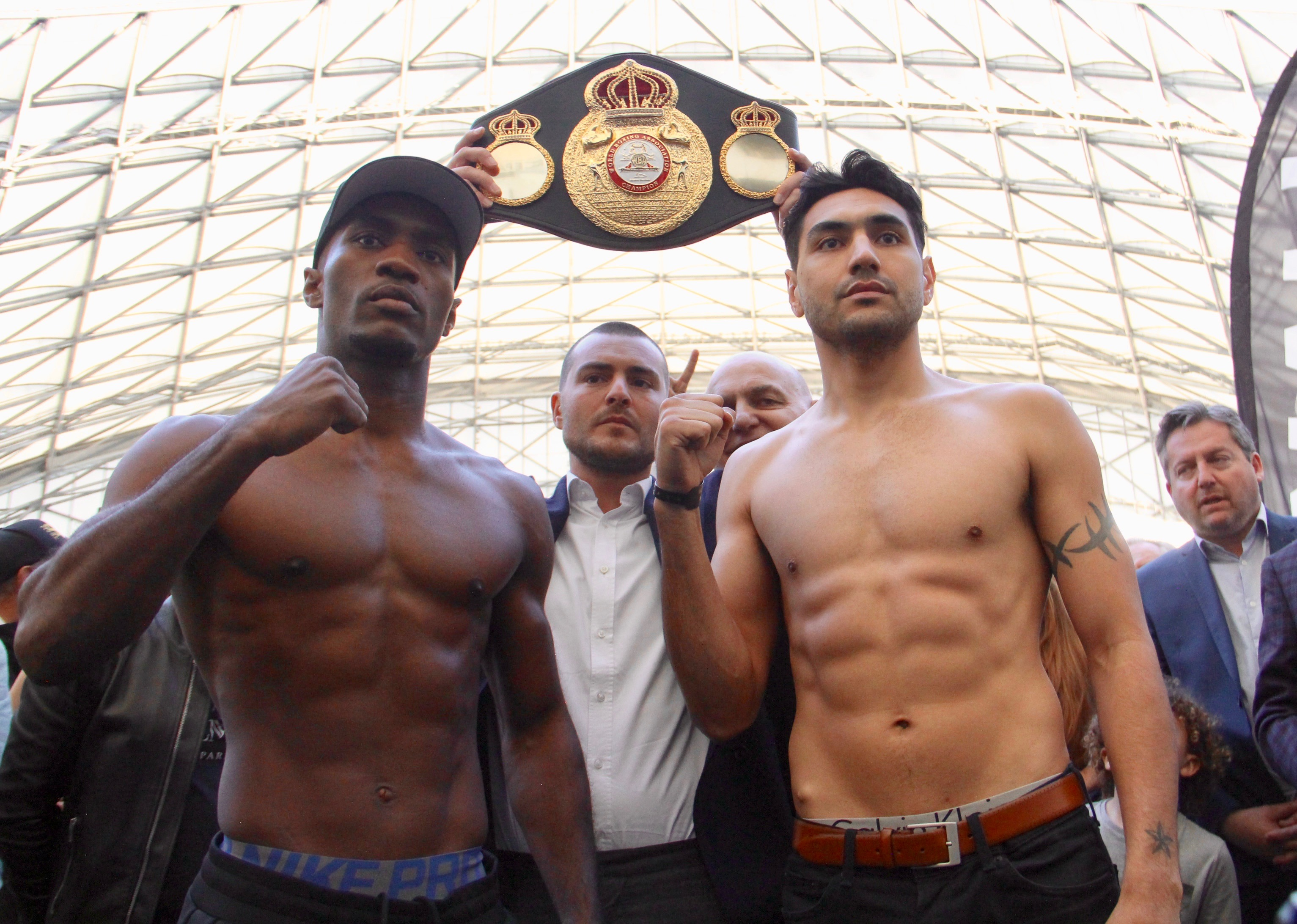 Soro and Vera make weight for WBA Elimination Fight
