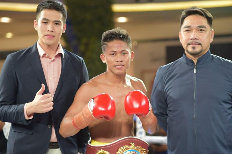 Ortega vs. Tepora for Interim WBA Feather Crown