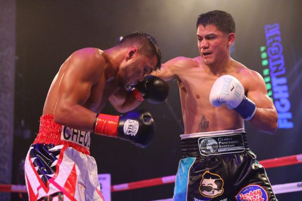 JoJo Diaz wins but Rojas retains title. Photo Tom Hogan/Golden Boy Promotion.