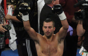 David Lemieux scores first round knockout in eliminator