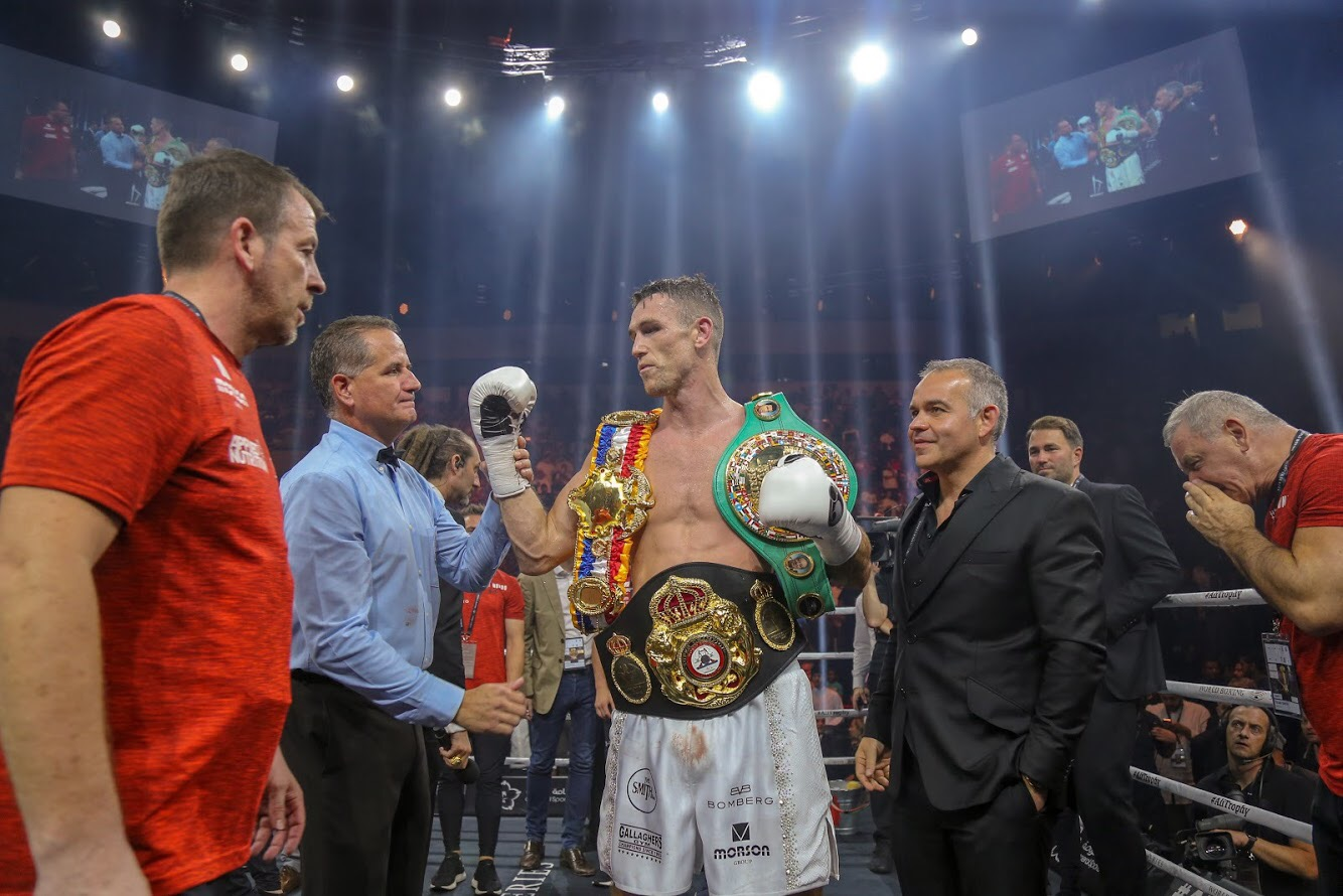 Callum Smith es el nuevo campeón Supermediano AMB. Fotos World Boxing Super Series