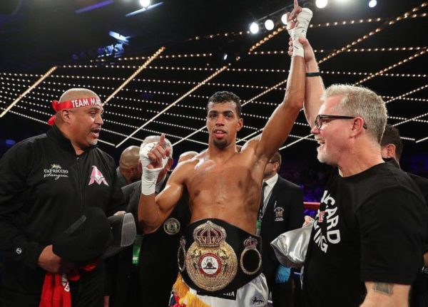 Machado knocks out Evans in 145 seconds