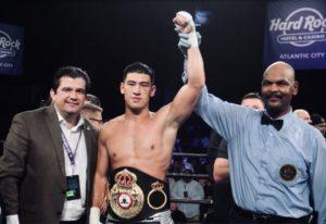 Bivol es el boxeador del mes de la AMB