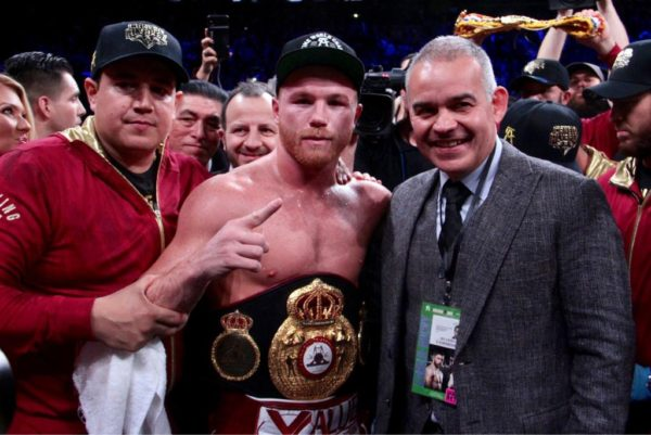 El Canelo knocks out Fielding in New York and wins the three-time championship