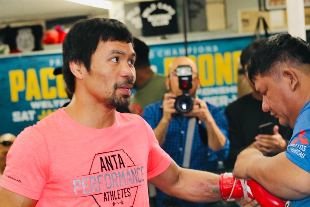 Pacquiao defiende su corona AMB contra Broner
