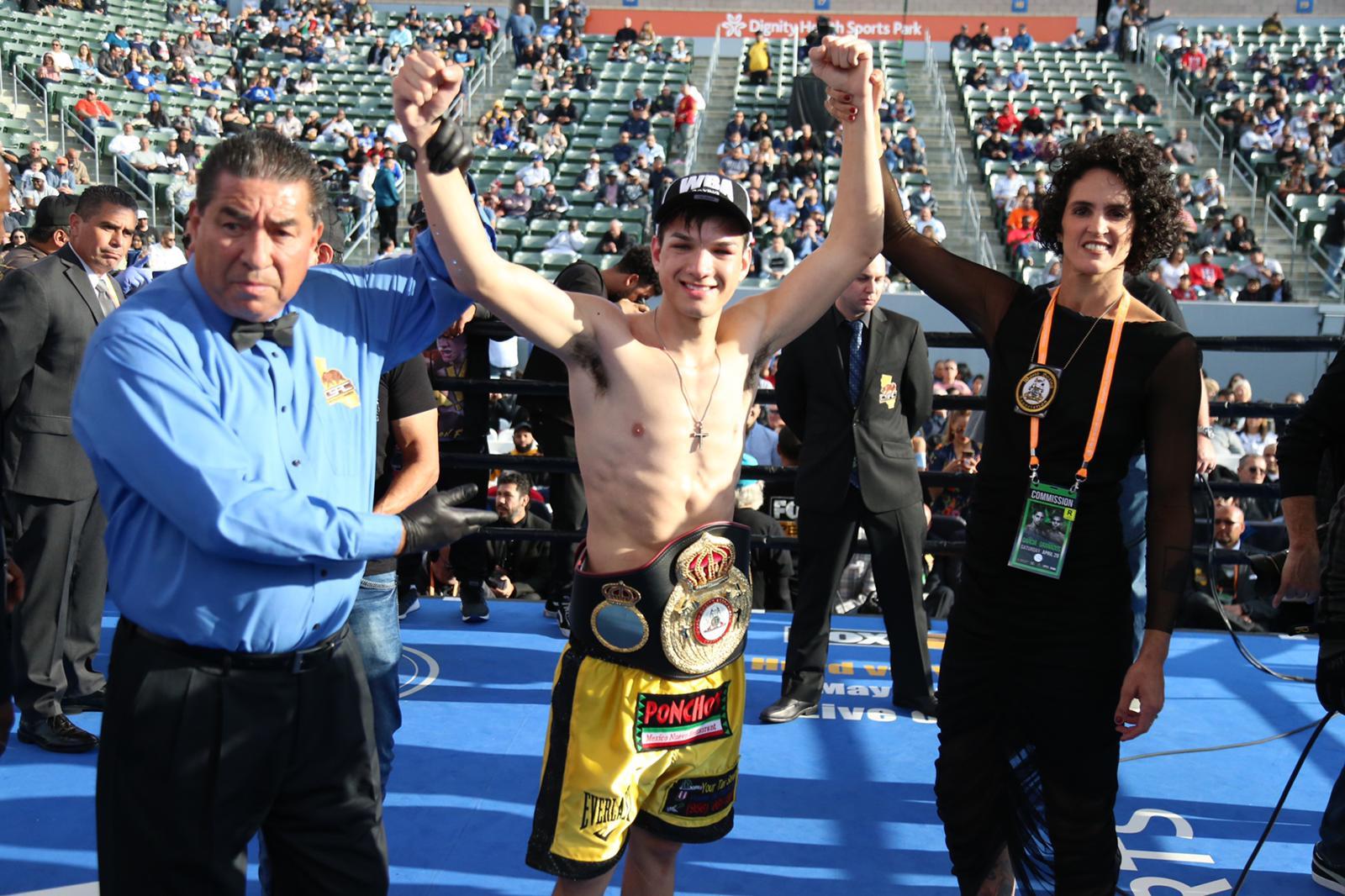 Figueroa stops Parejo for WBA Interim Title