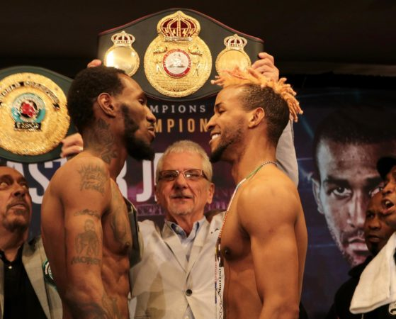 Barthelemy and Easter weigh-in for the lightweight belt of the WBA