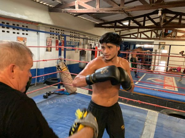 Yoel Finol will clash with Luis Guerrero