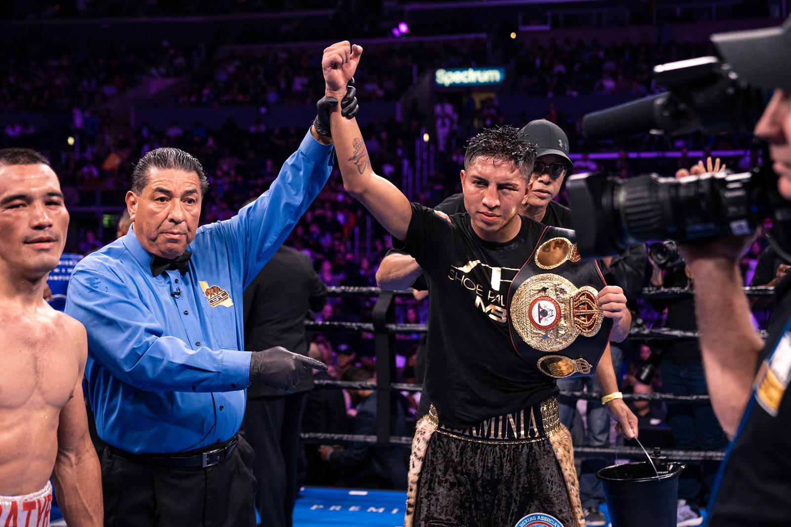 Barrios beat a tough Akhmedov to be crowned in Los Angeles