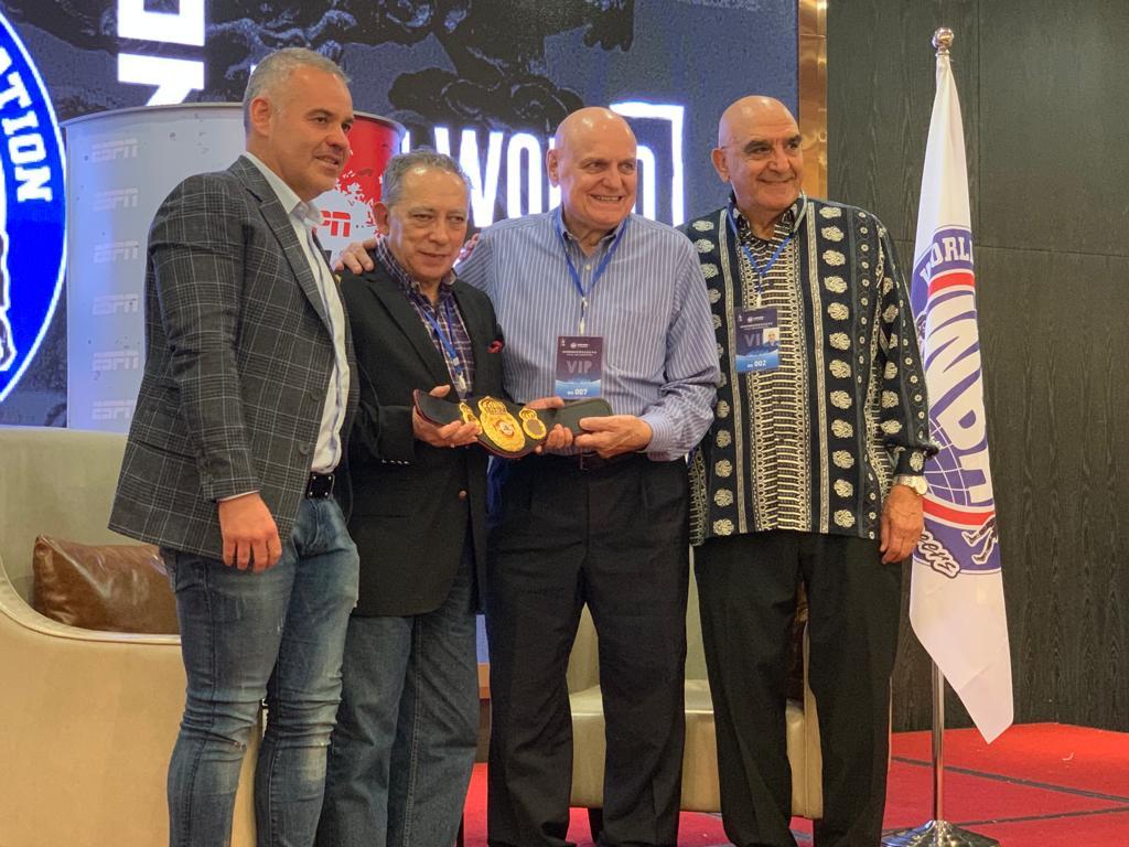 AMB reconoció la trayectoria de Carlos Irusta en Fuzhou