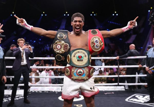 Joshua recuperó su reinado AMB con un gran triunfo sobre Ruiz
