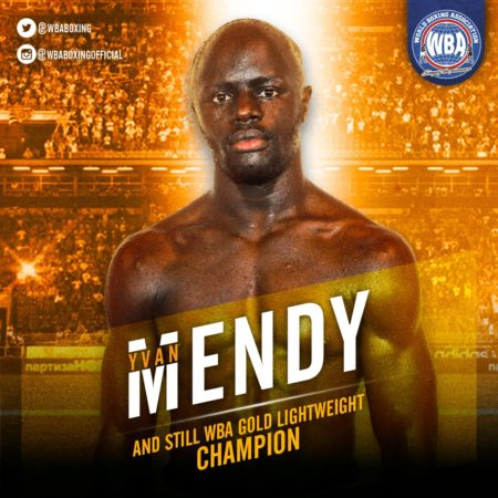 Mendy knocks out Parra to capture the WBA Lightweight Gold Belt