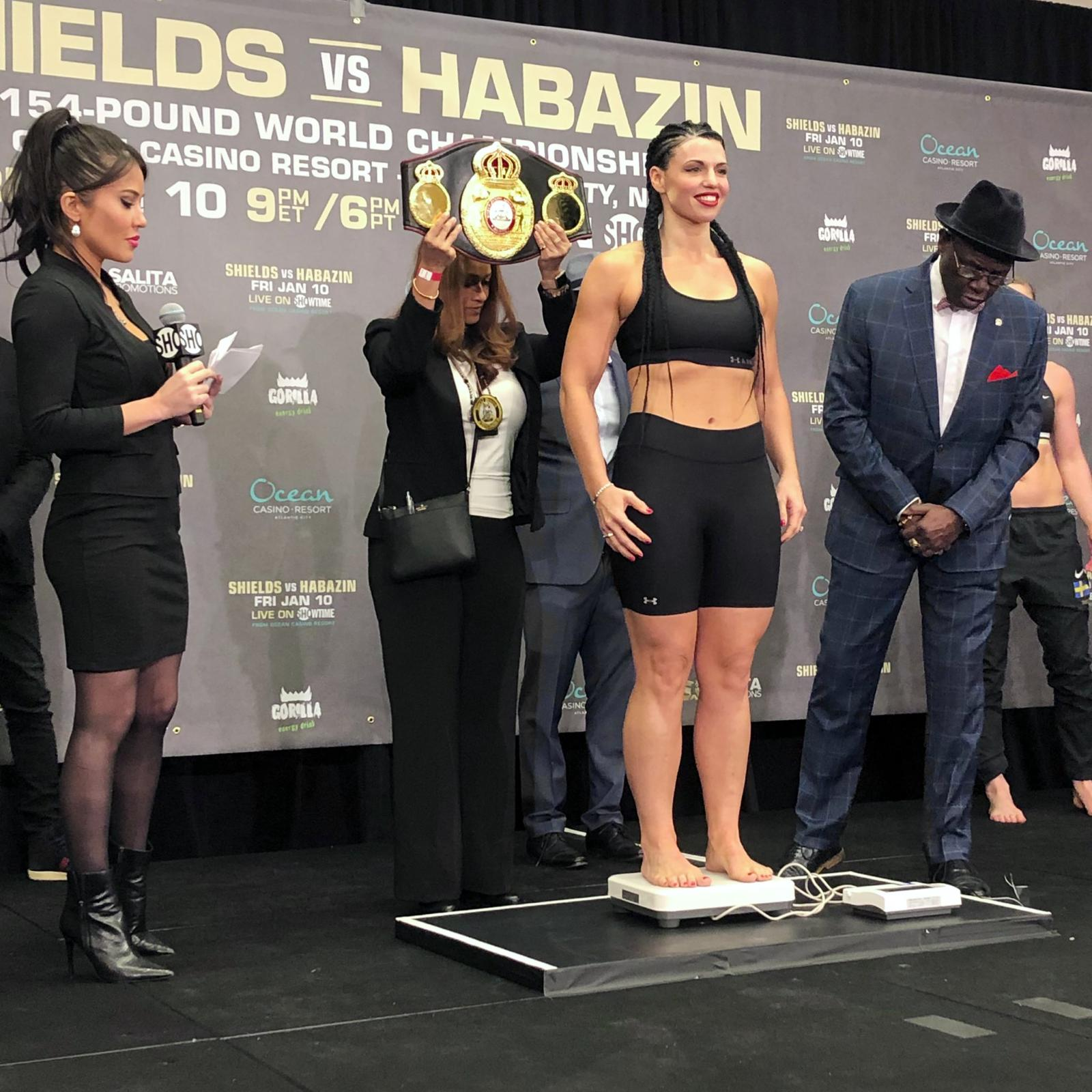 Weigh in Napoleon 164 Lbs vs Cederroos 166.4 Lbs