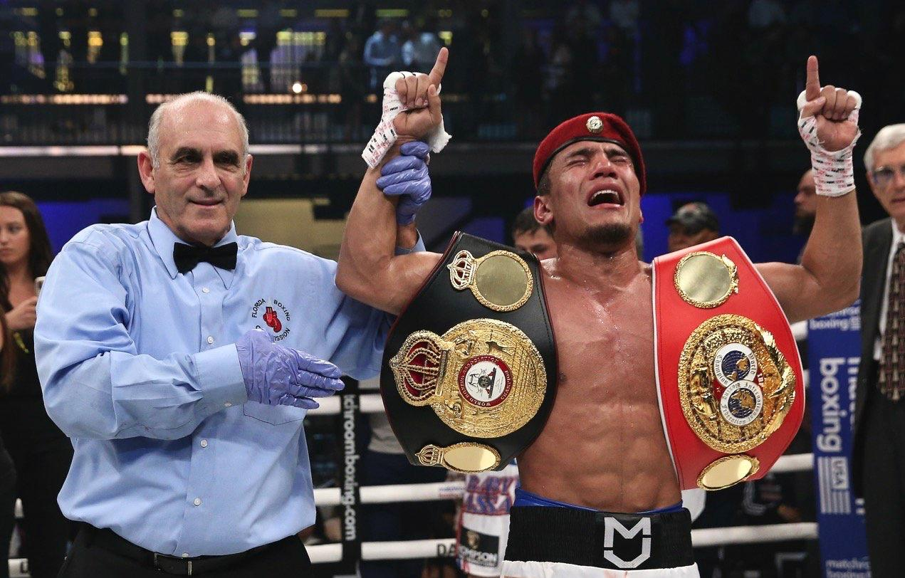 Akhmadaliev defeated Roman and is the new Super Bantamweight Super champion