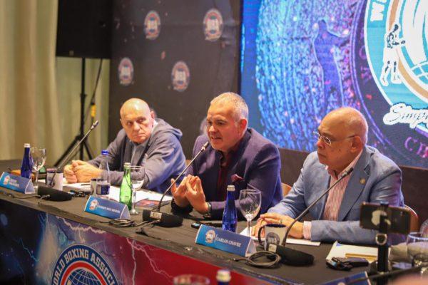 """Mendoza al Directorio AMB: """"Debemos ir a las bases"""""""