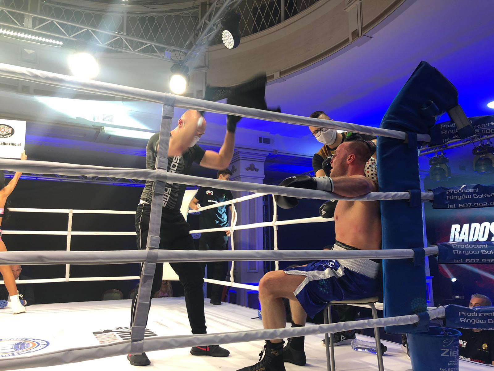 Wach beat Johnson in Poland