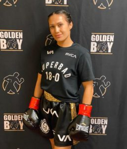Seniesa Estrada arrasó a Adkins en Indio