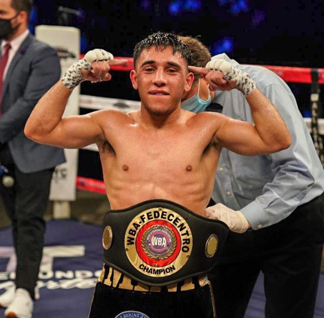 Aragon dominated Juarez and took the 108-pound WBA Fedecentro title